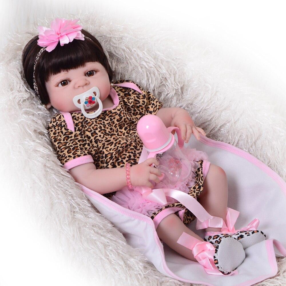 Levensechte 57cm Full Siliconen Vinyl Reborn Baby Girl Pop Speelgoed Wear Leopard Jurk Pasgeboren Baby Doll Leuke Kind Bedtime spelen Gift-in Poppen van Speelgoed & Hobbies op  Groep 1