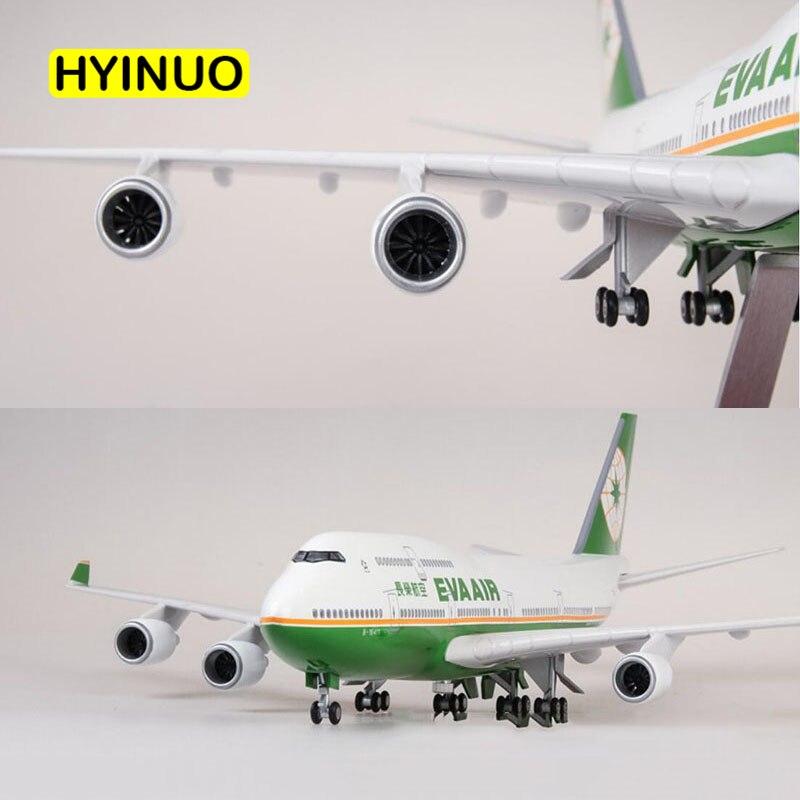 1/150 échelle 47 CM avion Boeing B747 avion Taiwan EVA AIR compagnie aérienne modèle W lumière et roue moulé sous pression en plastique résine avion-in Jouets véhicules from Jeux et loisirs    1