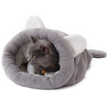 Cute, warm mouse-shaped sphynx cat bed / mat cave