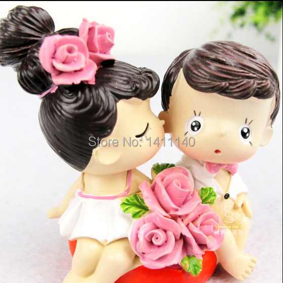 Kissing Couple Bride And Groom Wedding Cake Topper Figurines Party Decoration Gifts Favors