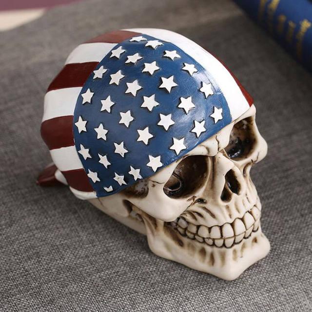 USA FLAG SKULL STATUE