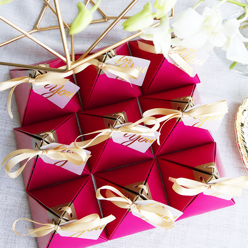 100pcs Rose Red Triangular Pyramid Style Candy Box Wedding Favors Party Supplies Paper Gift Boxes with THANKS Card Chocolate Box package (3)
