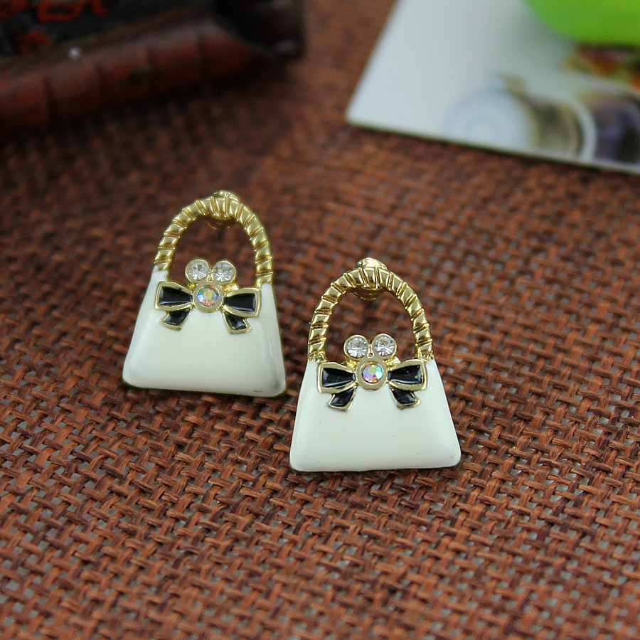 XQ XQ Free shipping 2015 The new BJ earrings white girl gift packet The new popular banquet texture
