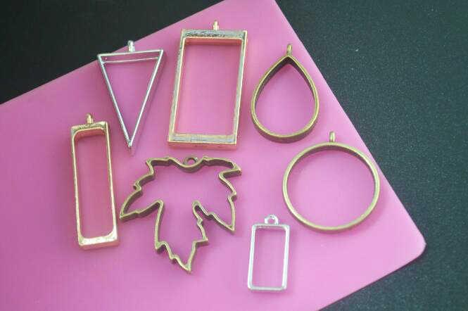 5 قطعة هندسية الجوف الحاح زهرة الراتنج إطارات فارغة المعلقات مجوهرات العثور صنع اليدوية الحرفية العائمة المنجد مستطيل