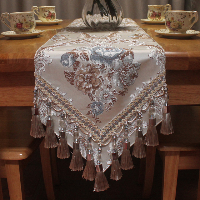 Superbe Jacquard Floral Luxury Embroidered Table Runner Top Quality Polyester  Imitated Silk Fabric Handmade Decorative Table Runners