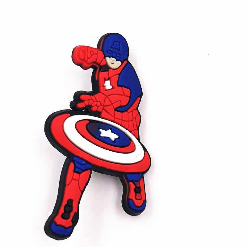 1Pcs Kartun Marvel Avengers Batman PVC Ikon Bros Lencana Pahlawan Anime DIY Aksesoris untuk Ransel Pakaian Topi Dekorasi