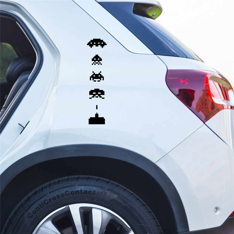 Space Invaders Kreatif Mobil-Styling Vinyl Stiker Mode Mobil Jendela Tubuh Pintu Toilet Laptop Tahan Air Stiker 4.3 cm * 18.2 cm