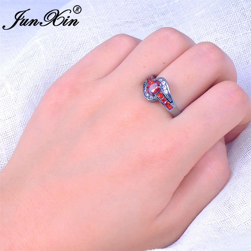 JUNXIN Female Red Oval Ring Fashion White & Black Gold Filled ...