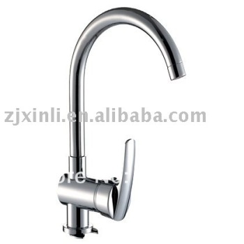 L14098 - Luxury Brass Faucet Hot & Cold Water Kitchen Mixer Deck Mounted, Chrome Finish Sink Tap