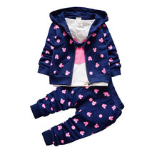 The little girl's clothes 2017 autumn and winter children's clothing suit / Hooded Jacket + T-shirt + trousers /3pcs Cotton 1-4y(China)