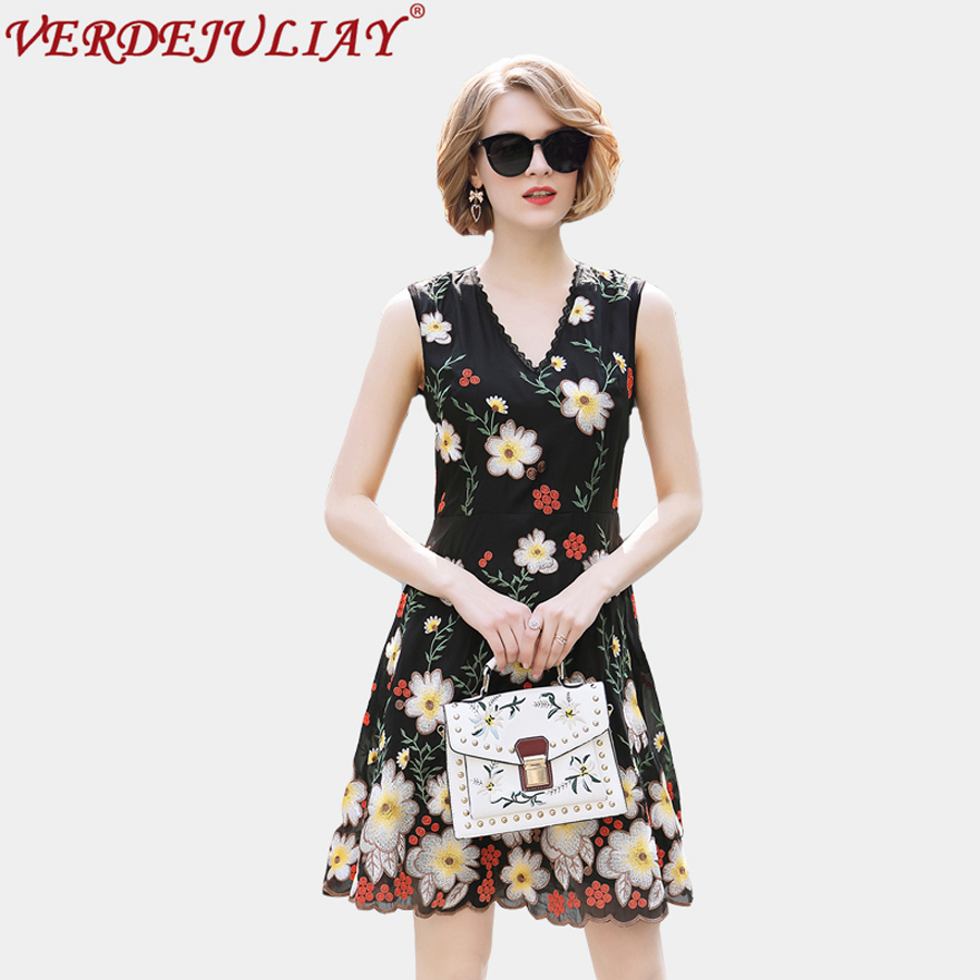 Noble Dresses 2018 Spring Women Fashion Flowers Embroidery V-neck Female Sleeveless Empire Mini A-Line Sexy Top Quality Dress
