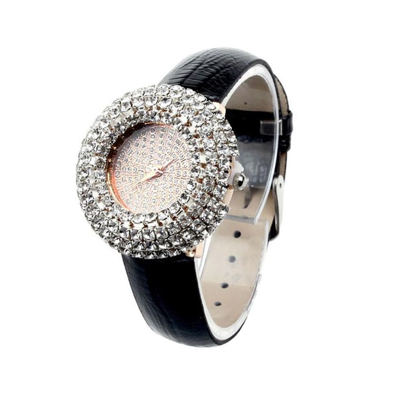 d3cf112b0f8 Moda relogio feminino Mulheres Inlay Couro Luxo Estrelado Diamante  Rhinestone Relógios de Quartzo Excelente Qualidade Relógios Das Mulheres