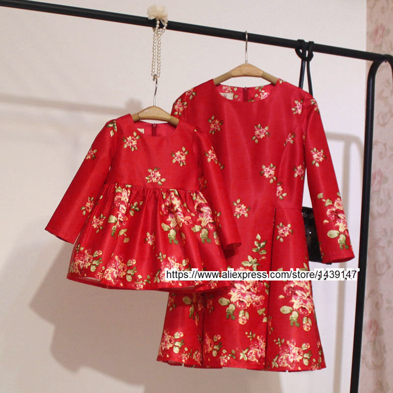 Children clothing Mother and Daughter dress red printing , 2-10 years old Child little baby Girls clothes , Women Large size 4XL купить в Москве 2019