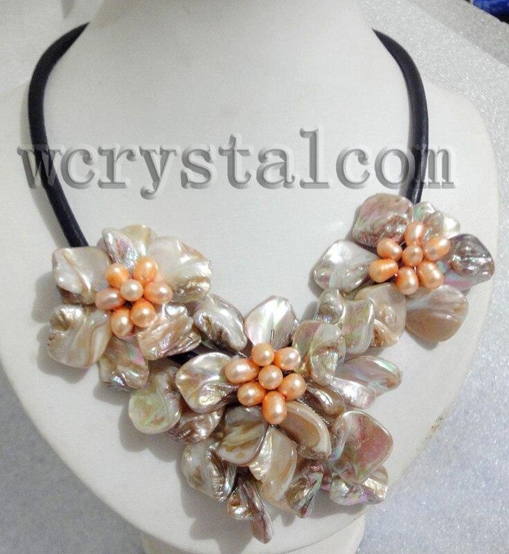 Charme Réel de Culture D'eau Douce Perle Blanc Shell Fleur Collier En Cuir Bib Femmes Floral Déclaration Collier Collier