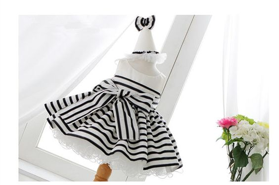 2017 New Arrival white and black stripes newborn baby first birthday dresses With Bow Flower Girl Dresses For Party And Wedding