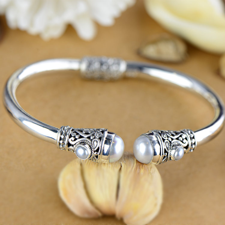 S925 silver inlaid pearl exquisite exclusive high-end jewelry wholesale silver bracelet Ms.