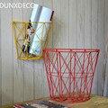 DUNXDECO Loft Moderno Geométrica Meia Cilindro de Ferro Amarelo Flora Revista Cesta de Armazenamento de Escritório Em Casa Decoração De Parede Multifuncional