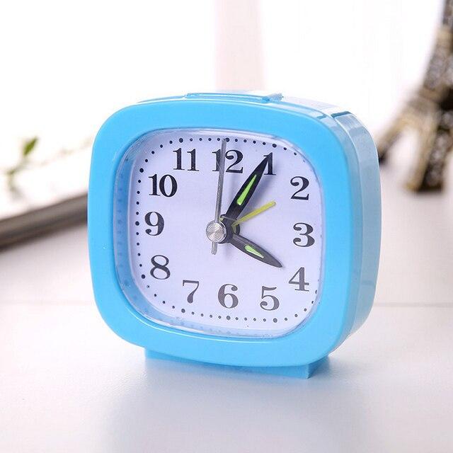 Mini Creative Mooie Vierkante Kleine Bed Wekker Compact Reizen Klok Draagbare Kinderen Student Bureau Horloge Klok Home Decor