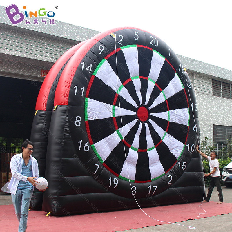 Free shipping 5X5 m giant Inflatable football dart board with blower inflatable soccer shooting dart Game for kids outdoor toys inflatable football field shooting soccer goal kicking gate game l6mxh3m for children kids party sport games toy