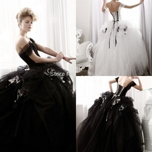 2016 Ball Gown Sweetheart Black Gothic Wedding Dress White Wedding Gowns Ruffle Applique Tulle Bridal Gown