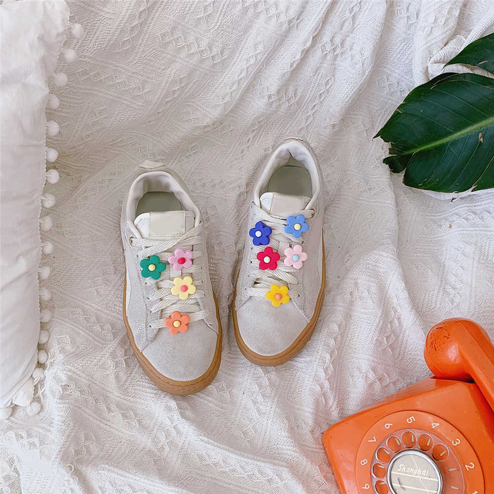 09b10a7e600e1 1pcs High Imitation Shoe Charms Flower Shoe Buckles Accessory fit Bracelets  Croc JIBZ Kids Gifts