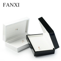FANXI Solid Wooden Jewelry Carrying case with PU Leather surface Microfiber Insert for Rings Exhibition 70 Seats Rings Box