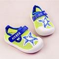 Zapatos de Malla de Aire Zapatillas de Lona del niño Mocasines Botine De Futbol Original Primeros Caminante Zapato de Bebé Calzado Botines 603171