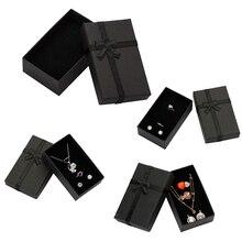 32 pz Jewelry Box 8x5 cm Nero Collana Box per Ring Gift Box Paper Jewellery Box Braccialetto di Imballaggio orecchino Display con Spugna