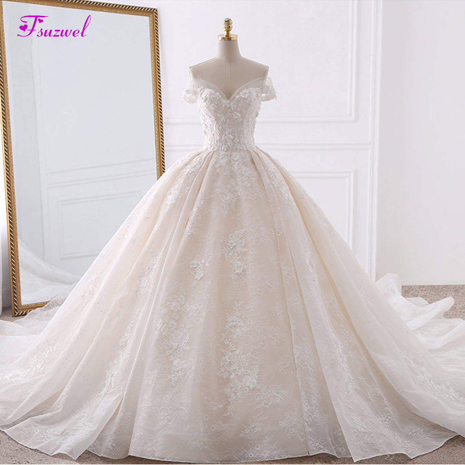 Vestido de Noiva Appliques Lace Flowers Princess Wedding Dresses 2019 Sweetheart Neck Pearls Royal Train Ball