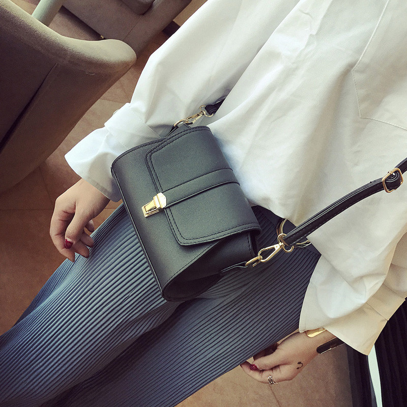 YBYT brand 2017 new fashion vintage soft PU leather women flap hotsale ladies evening bag mini shoulder messenger crossbody bags