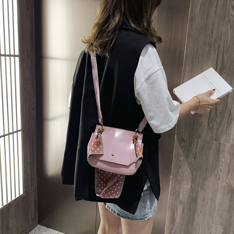 Designer Women Leather Pink Tote Bag Handbags Bags Magnetic Buckle Wave Point Ribbon High Quality Women Shoulder Messenger Bags in Top Handle Bags from Luggage Bags