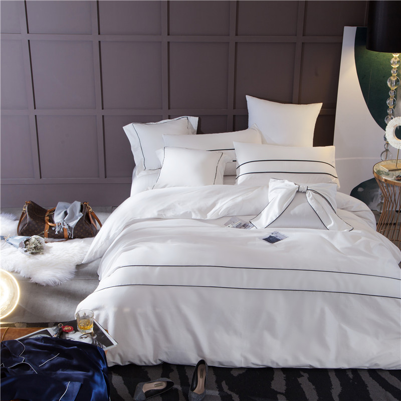 4 pièces luxe literie ensemble King Size reine lit ensemble lit violet/blanc feuille housse de couette Cool sentiment Slik comme
