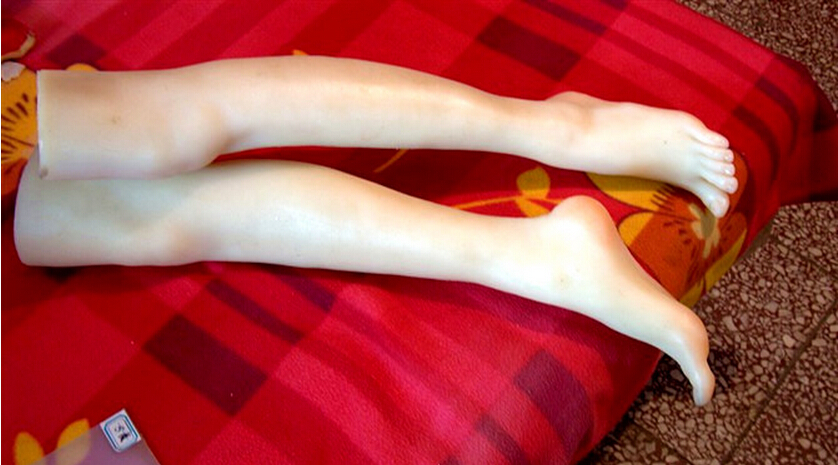 Russian girl's feet Fetish Toys for Man Reality full silicone feet fake foot for displaying love doll solid silicone feet model silicone female fake foot feet model for men 36 yard shoe model foot fetish sex toys drop shipping