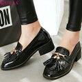 QUTAA 2017 Mujeres Bombea Verano de las Señoras Del Estilo Occidental Zapatos Cuadrados Med Talón PU Borla de Cuero Negro Mujer Zapatos de Boda del Tamaño 34-43