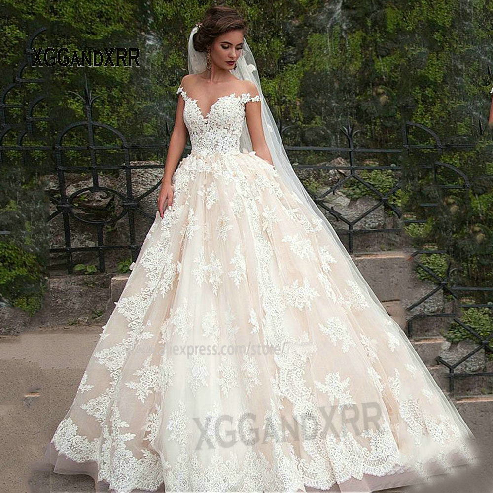 Fantastic Tulle Bateau Neckline Ball Gown Wedding Dresses with Lace Appliques Champagne Lace Bridal Gowns Sheer Neckline