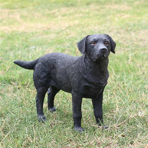pintado a mano vivid resina animal perro labrador negro perro resina figurines resina estatuas de animales