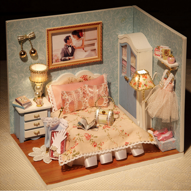 Handmade DIY Wooden Doll House Toys Miniature Box Kit With Cover And LED Furnitures Handcraft Miniature Dollhouse Kitchen Model