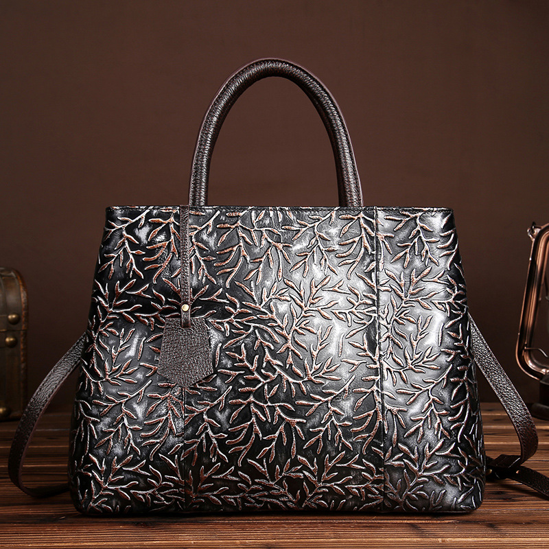 YISHEN Embossed Flower Women Handbags Genuine Leather Women Shoulder Bags Fashion Casual Messenger Bags Top-handle Totes LS8833 2018 new fashion top handle bags women cowhide genuine leather handbags casual bucket bags women bags rivet shoulder bags 836