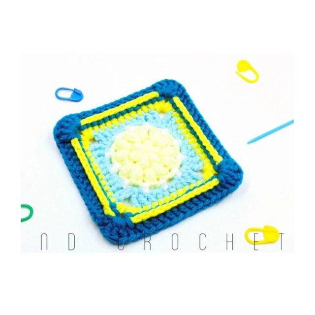 Фото оригинальные разноцветные подставки ручной вязки 105 см крючок