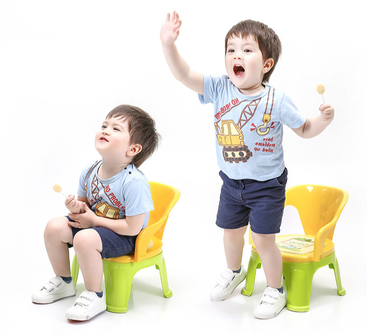 High quality Honeies children plastic dinner chairs baby nursery seat children whistle chair kindergarten chair free shipping children eat chair the portable folding multi function plastic baby chairs and tables for dinner