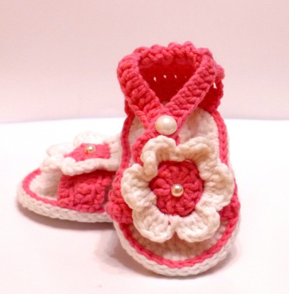 White Flower Baby shoes Crochet Pattern Handmade Barefoot Sandals ...