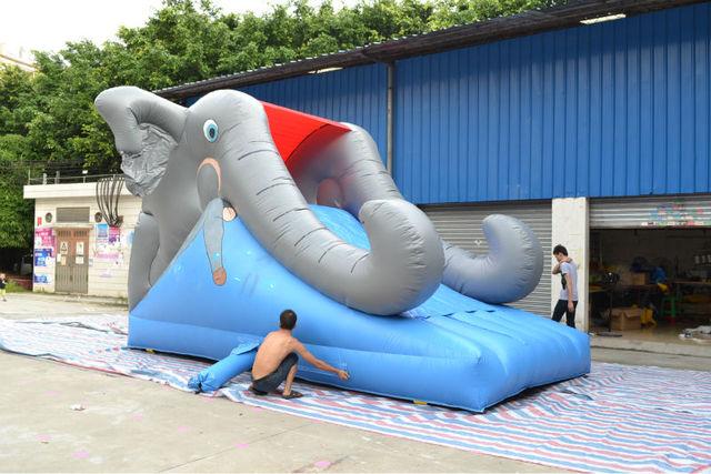 Luna de gorilas inflables para niños de atracciones
