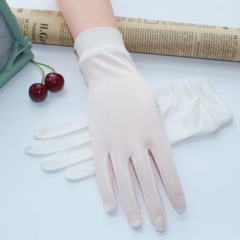 Damskie jedwabne rękawiczki jesienne zimowe rękawiczki miękkie i lekkie Sunproof jedwabne rękawiczki damskie rękawiczki Guantes prawdziwe jedwabne rękawiczki dla kobiet tanie i dobre opinie KISSGRAPE Kobiety Jedwabiu Dla dorosłych Stałe Nadgarstek Moda WBY6019 Black White Beige Grey Pink Kah Free Size China