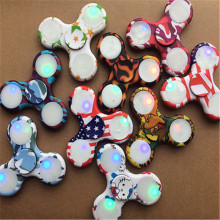 2017 Hot sales Fidget Spinner LED Flash Shining Aluminum Finger Focus EDC Bearing Stress Toys Finger Gyro