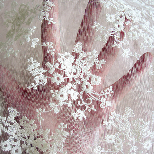 Small Embroidery Lace Material Net Embroidery Fabric