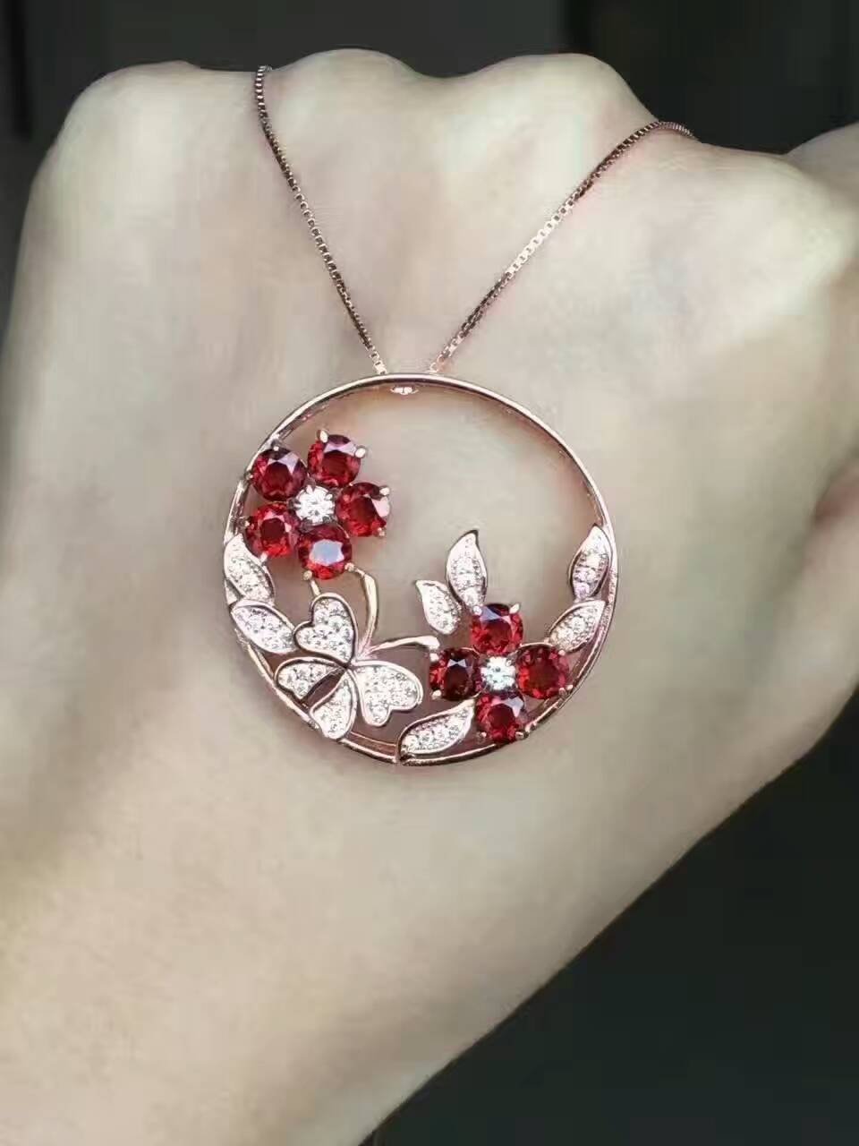 natural red garnet gem pendant S925 silver Natural gemstone Pendant Necklace trendy Luxury flower butterfly women party jewelry natural ice jade gem pendant s925 silver natural gemstone pendant necklace luxury big round flower women gift party gift jewelry