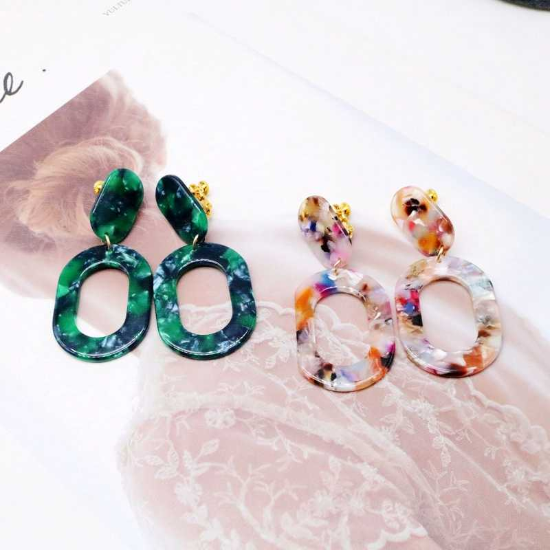 Free Shipping New Elegant Green Mixed Color Resin Clip Earring