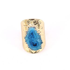 Image 2 - 5 개/몫 행운 보석 반지 여성 Naturl 돌 불규칙한 블루 쿼츠 스톤 쥬얼리 손가락 크리스탈 반지 황금 조절 링