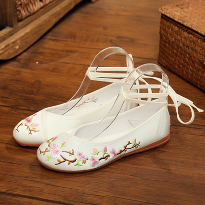 Embroidered shoes with cheongsam costume shoes single shoes Chinese style flat Hanfu old Beijing embroidered cloth
