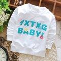 O envio gratuito de 2017 nova Primavera Coreano meninas do bebê T-shirts com Inglês carta de impressão de algodão de manga longa roupas de bebê A097